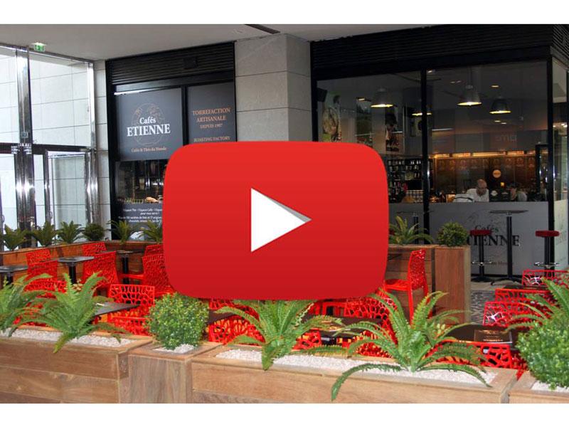 La nouvelle terrasse franchise coffeshop des Cafés Etienne - vue 1